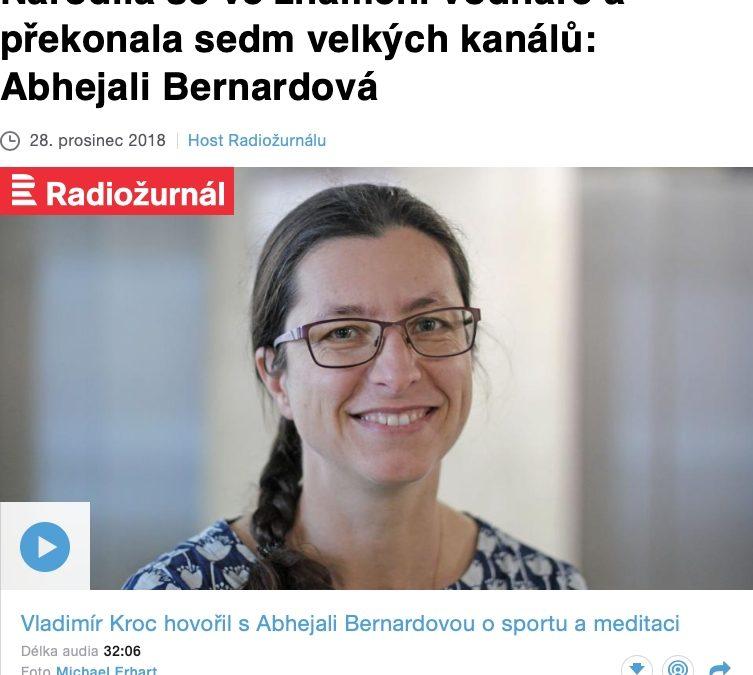Narodila se ve znamení vodnáře a překonala sedm velkých kanálů: Abhejali Bernardová – Radiožurnál